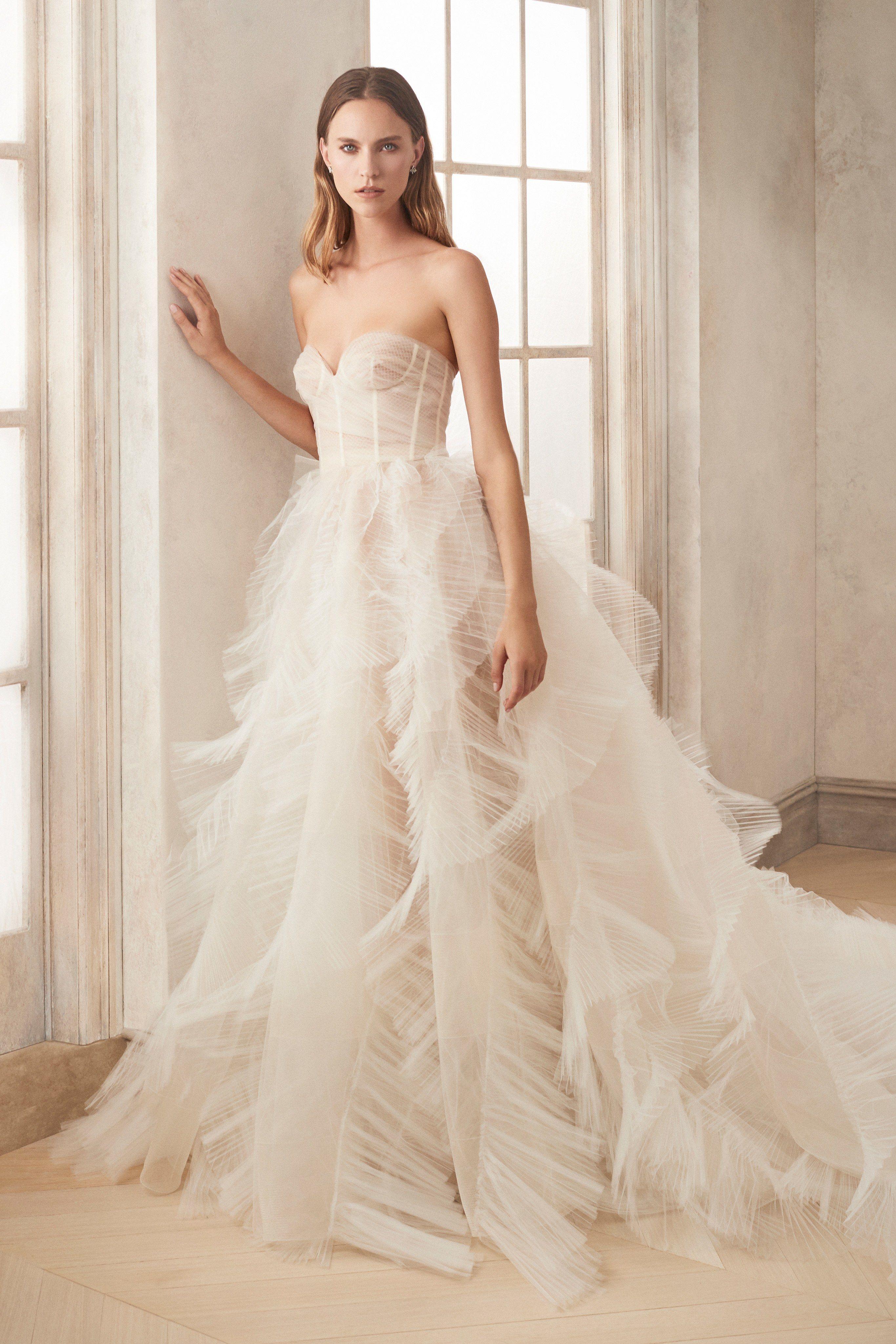 Fall Dresses 2020.Best Wedding Dresses Fall 2020 Top Autumn Bridal Runway Looks
