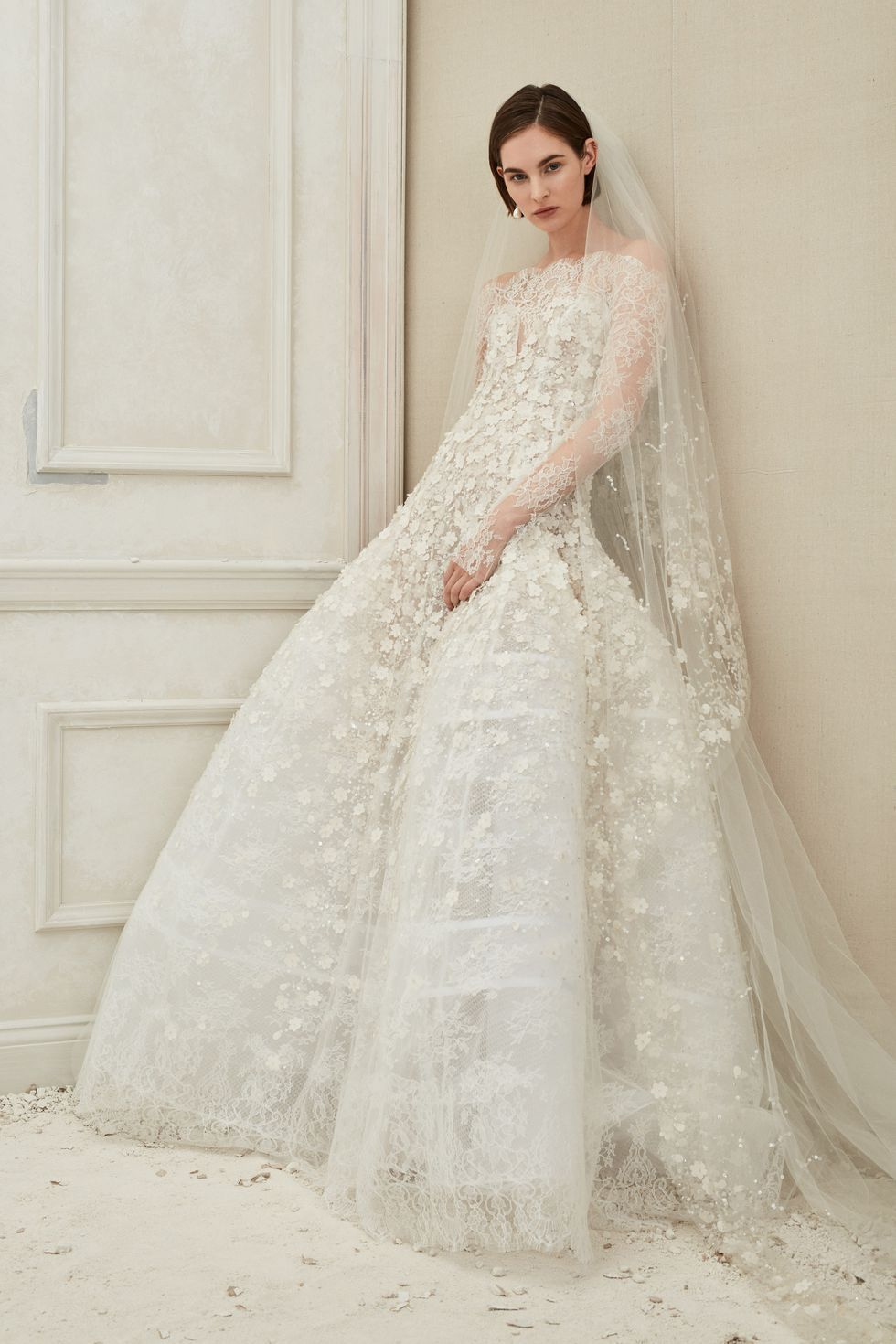 3dc07e5a84 80+ Best Wedding Dresses Fall 2019 - Top Autumn Bridal Runway Looks
