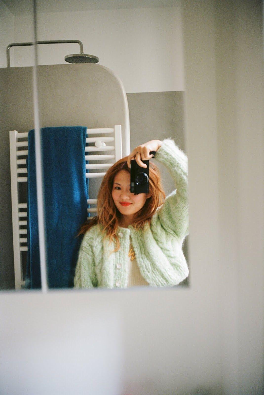 How To Take Mirror Selfies Tips For Taking Good Mirror Selfies