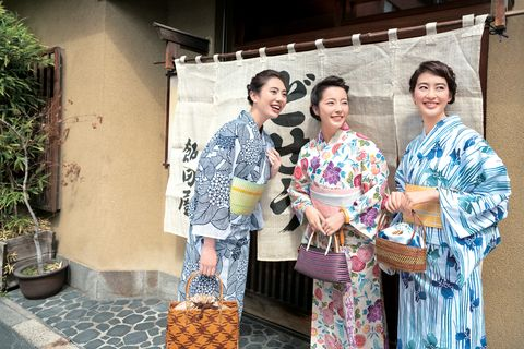 Kimono, Costume, Event, Temple, Leisure, Vacation, Smile, Tourism, Ceremony,