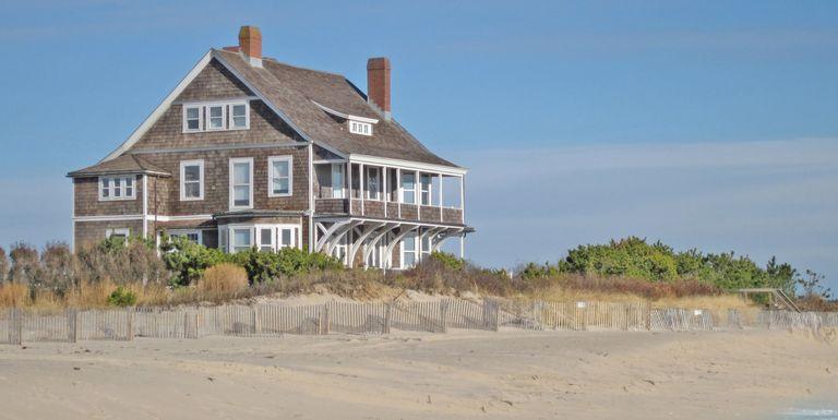 Kilkare hamptons for sale hamptons beachfront house for Hamptons beach house for sale