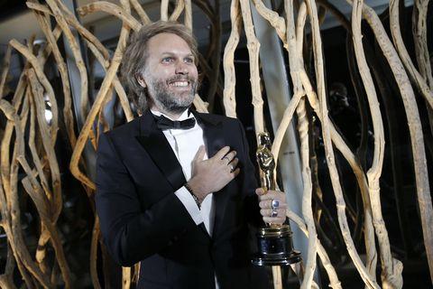 《父親》勇奪奧斯卡最佳男主角、最佳改編劇本!安東尼霍普金斯改寫紀錄成為史上最年長影帝得主