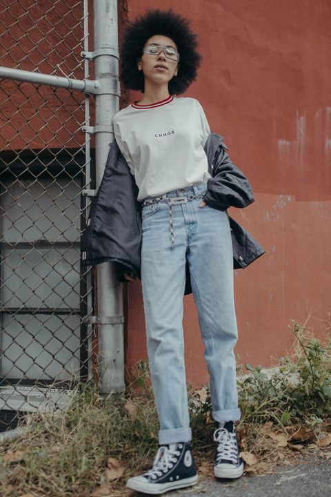 Jeans, Clothing, Denim, Snapshot, Fashion, Standing, Footwear, Leg, Textile, Trousers,
