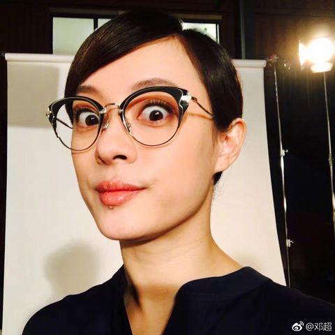 Eyewear, Glasses, Hair, Face, Eyebrow, Forehead, Beauty, Chin, Hairstyle, Head,
