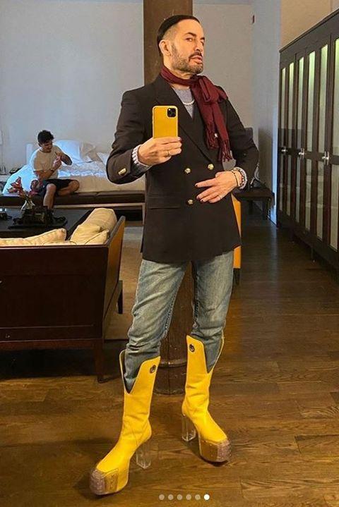 Footwear, Outerwear, Jeans, Shoe, Blazer, Jacket, Performance, Trousers,