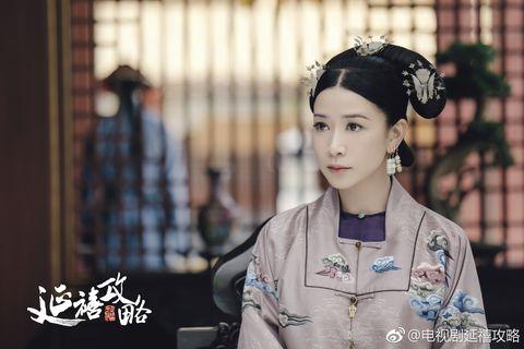 Hairstyle, Tradition, Shimada, Kimono, Photography, Taiwanese opera, Smile, Sakko, Black hair, Costume,