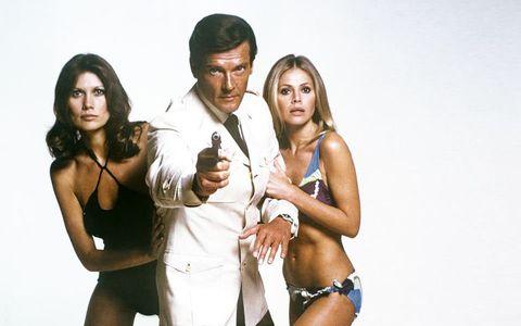 歴代最多の『007』ロジャー・ムーア、89歳で逝く