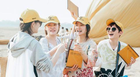 「四姐妹」大S、小S、阿雅、范曉萱在《我們是真正的朋友》分享20年的閨蜜日常,吸引了7千萬人關注⋯⋯