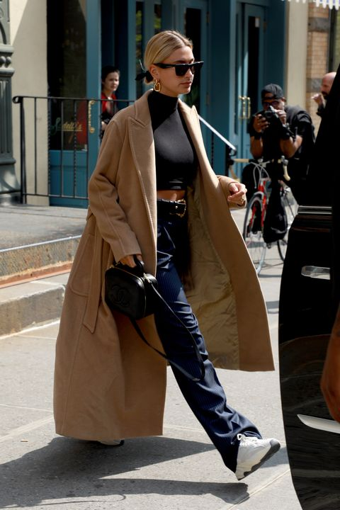 NEW YORK, NEW YORK - MAY 02:Hailey BIeber comesz out of a Hairsalon in Soho on May 02, 2019 in New York City. (Photo by Pierre Suu/GC images)