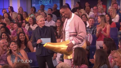 「神燈精靈」威爾史密斯(Will Smith),以及男女主角梅納馬蘇德(Mena Massoud)、娜歐蜜史考特(Naomi Scott)也一起上節目《The Ellen Show》宣傳電影