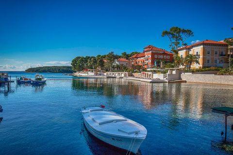 身体が疲れた人におすすめの旅行先、クロアチア・ロシニ島について