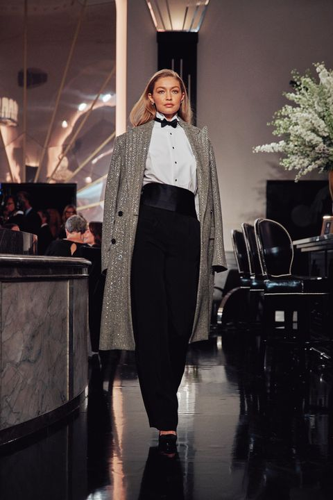 Fashion, Runway, Clothing, Fashion model, Haute couture, Fashion show, Fashion design, Outerwear, Event, Model,