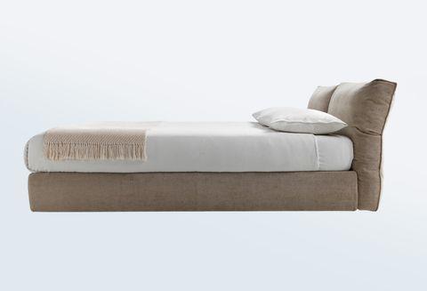 'Newbridge Soft' bed by Carlo Columbo, flexform