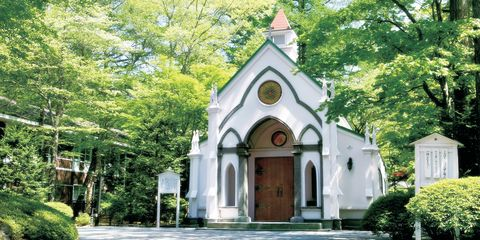 Chapel, Building, Property, Place of worship, Church, Architecture, House, Tree, Parish, Real estate,