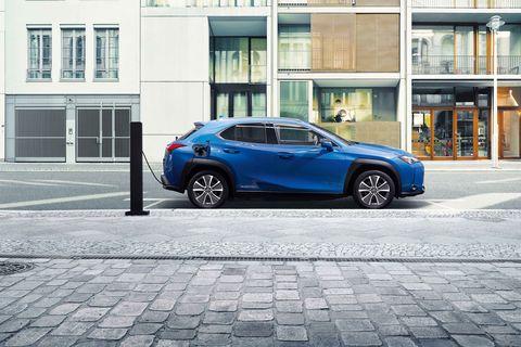 レクサス、UX300e、EV、電気自動車、新車、クルマ