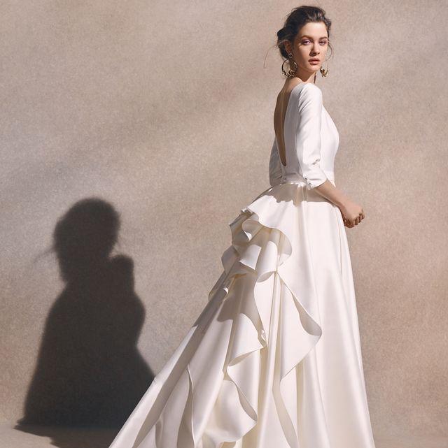 ノバレーゼの洗練ロマンティックドレス