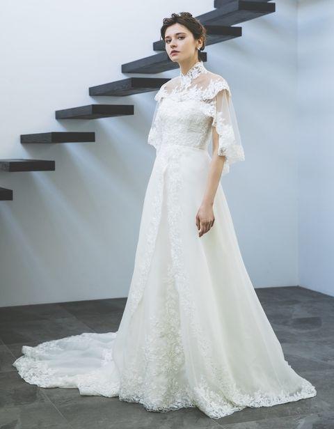 ユミカツラのフリル袖ドレス