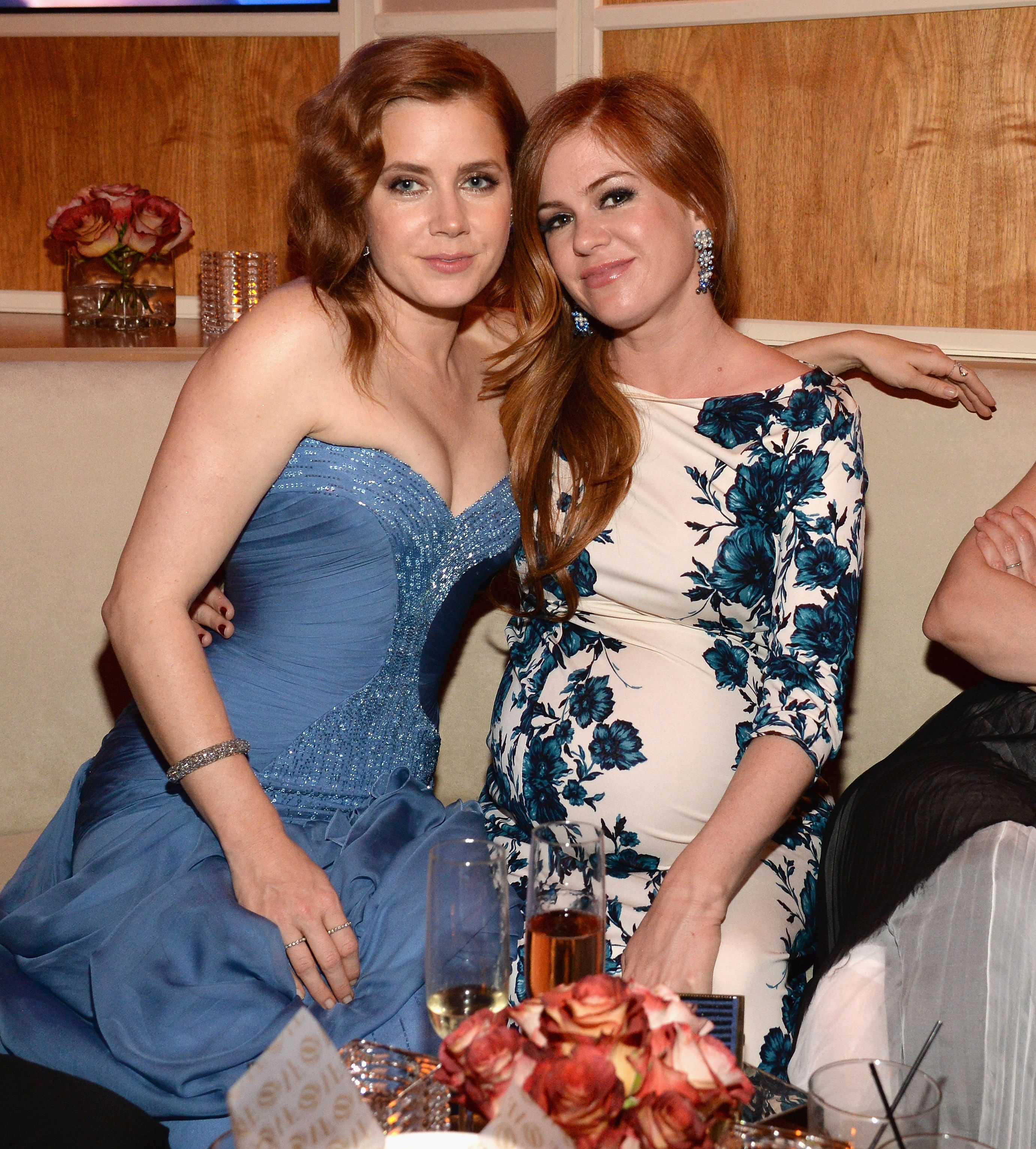 Amy Adams and Isla Fisher Isla Fisher says she's frequently mistaken for Amy Adams—even by other celebrities. She shared a story with Jimmy Kimmel about being mistaken for the Enchanted star by Lady Gaga at the 2014 Vanity Fair Oscar party.