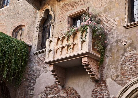 Arch, Architecture, Balcony, Building, Medieval architecture, Wall, Facade, House, Window, History,
