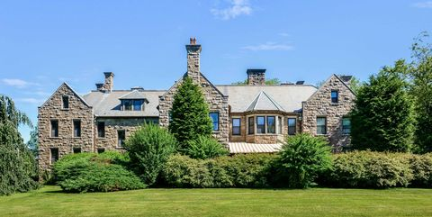 Property, Home, Estate, House, Building, Mansion, Real estate, Manor house, Grass, Architecture,