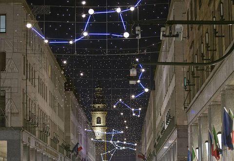 Night, Lighting, Urban area, Street light, Electricity, Light fixture, Architecture, Metropolitan area, Tree, Building,