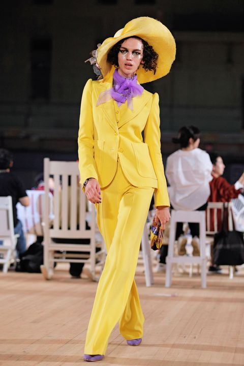 Fashion, Yellow, Clothing, Fashion show, Fashion model, Pantsuit, Fashion design, Runway, Performance, Event,