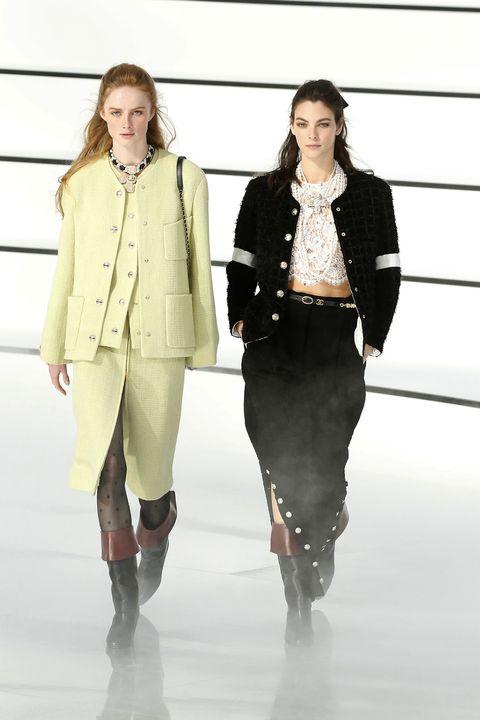 Fashion, Fashion show, Runway, Fashion model, Clothing, Fashion design, Shoulder, Outerwear, Knee, Joint,