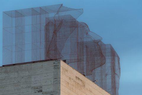 L'installazione Limes di Edoardo Tresoldi a Barcellona
