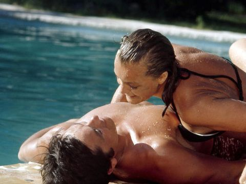 Chest, Swimming pool, Summer, Interaction, Muscle, Back, Abdomen, Black hair, Contact sport, Barechested,