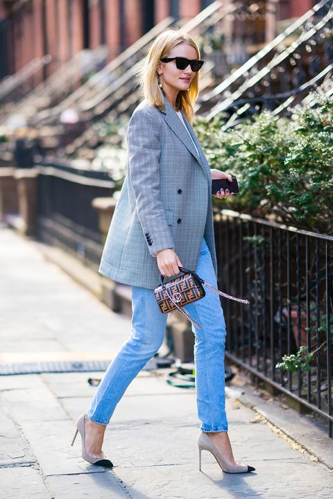 Il jeans di moda non invecchia mai e nel 2018 compie 145 anni ebfb9119f1a