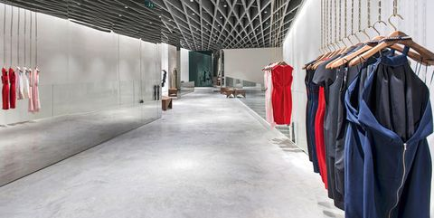 Textile, Floor, Ceiling, Clothes hanger, Hall,
