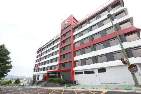 麗寶賽車主題旅店全台唯一賽車旅店5月正式開幕!