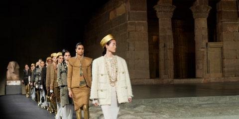 Fashion model, Runway, Fashion, Fashion show, Fashion design, Event, Public event, Human, Haute couture, Outerwear,
