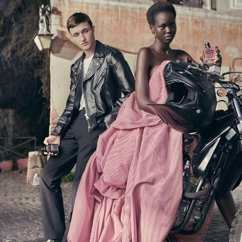 Dress, Fashion, Gown, Shoulder, Formal wear, Classic, Haute couture, Sitting, Textile, Fashion design,