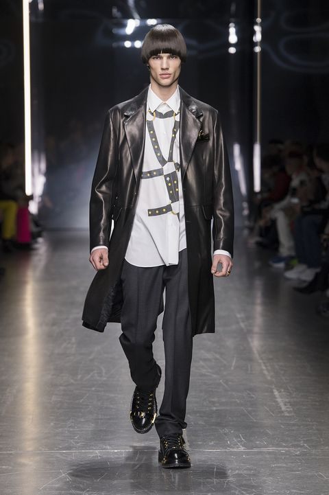 276278ce98a Versace Fall/Winter 2019 - Every Look from Versace Men's Fall/Winter ...