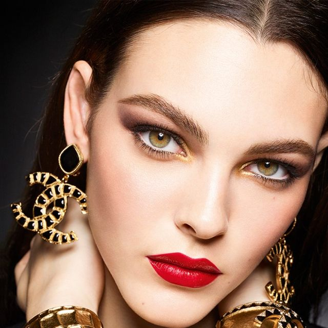 Hair, Face, Lip, Beauty, Eyebrow, Fashion model, Skin, Hairstyle, Close-up, Fashion,