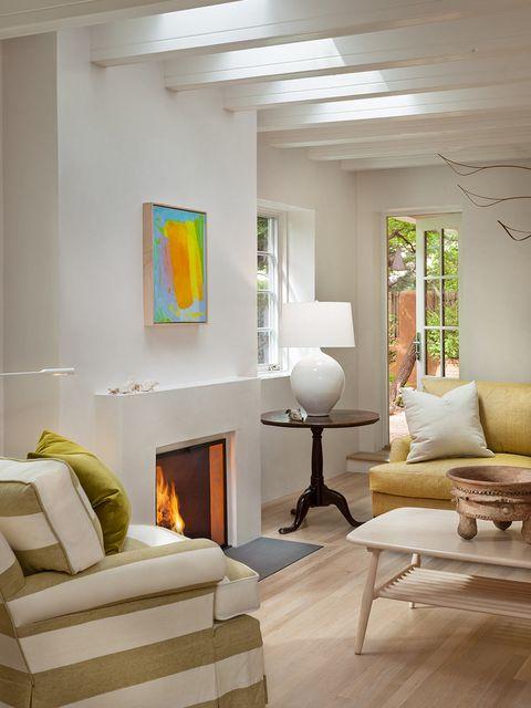 paul rochford y michael violante han restaurado y actualizado esta casa de 1930 respetando los elementos arquitectónicos  originales