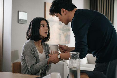 徐睿知挑戰驚悚大片《迴憶》:「枕邊的他,是最親愛的陌生人嗎?」
