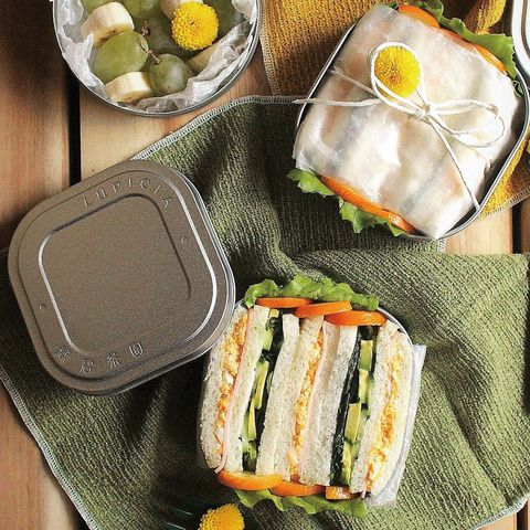 Dish, Food, Cuisine, Lunch, Ingredient, Meal, Comfort food, Sandwich, Produce, Finger food,