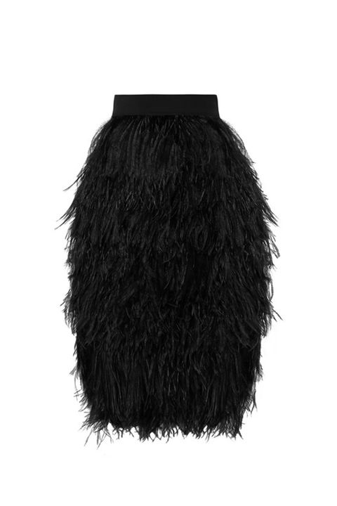 Clothing, Black, Fur, Costume accessory, Feather, Outerwear, Costume, Lace wig, Black hair, Fashion accessory,