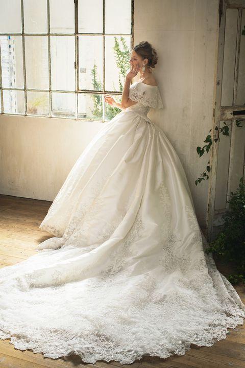 桂由美ブライダルハウスのタイムレスドレス