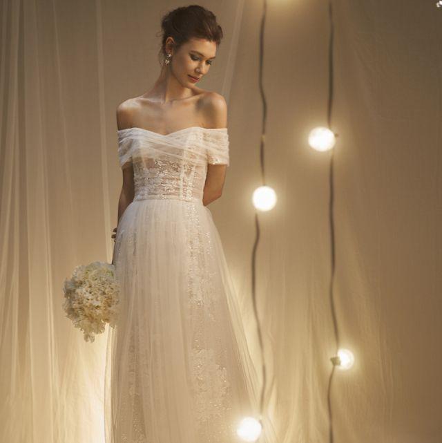 ノバレーゼのデコルテコンシャスドレス