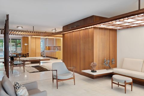 This Midcentury Apartment Is a Modernist's Time-Warp Dream