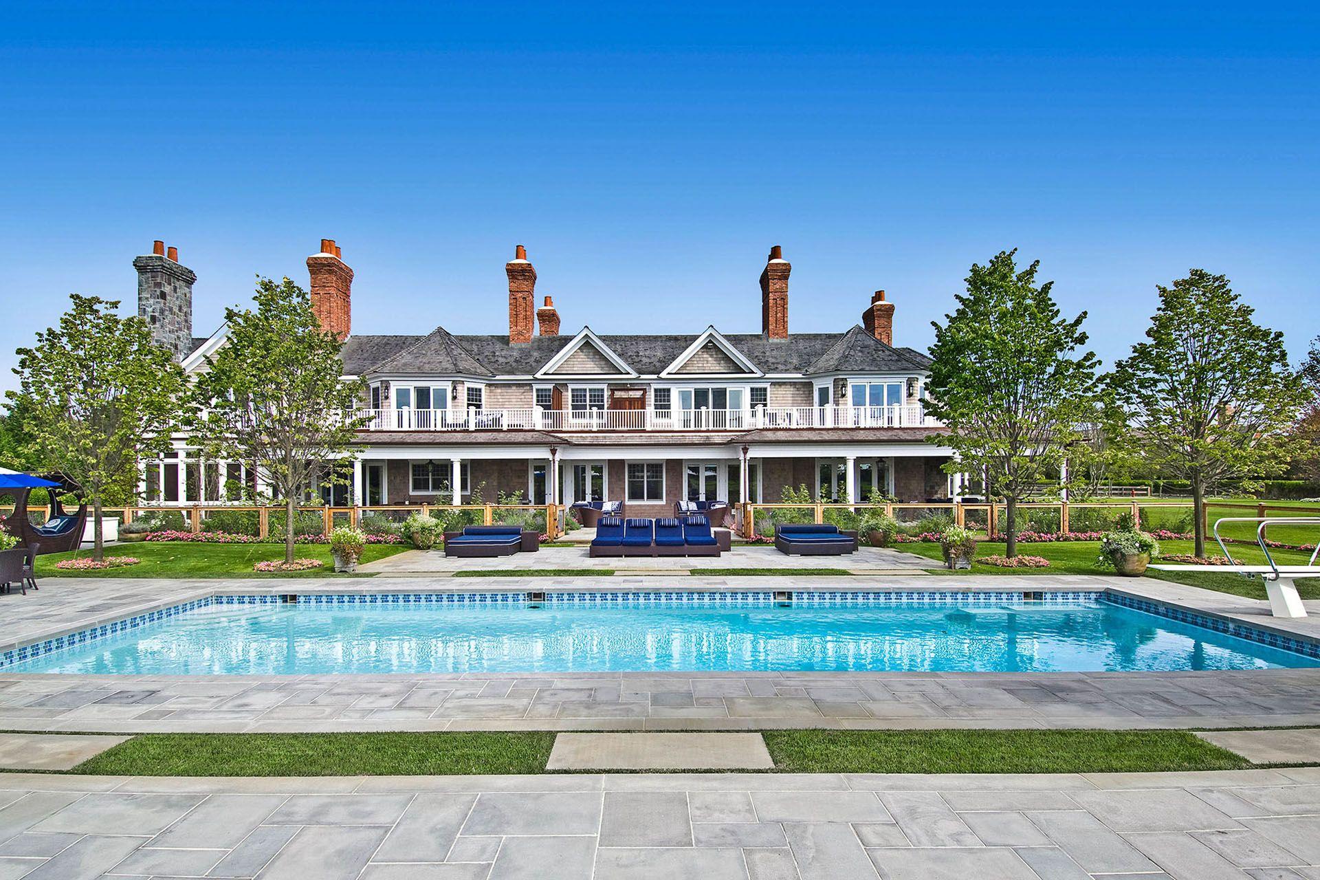 Beyonce And Jay Z S Former Hamptons Rental Is On The Market 50 Million Sandcastle Bridgehampton