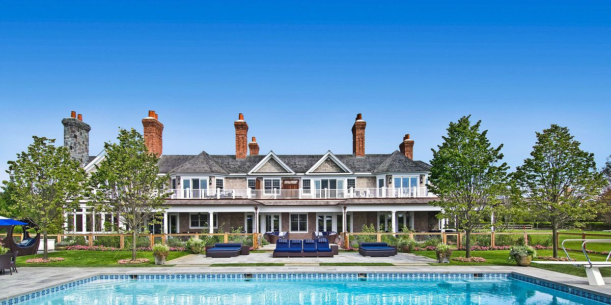 beyonc and jay z 39 s former hamptons rental is on the market 50 million sandcastle bridgehampton. Black Bedroom Furniture Sets. Home Design Ideas