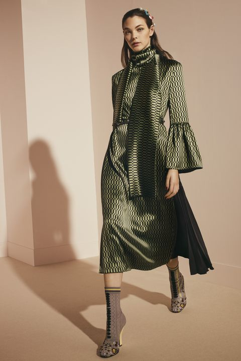 Clothing, Sleeve, Dress, Shoulder, Textile, Joint, One-piece garment, Style, Pattern, Fashion model,