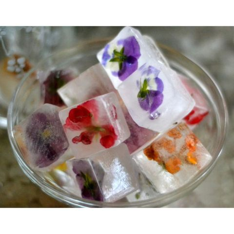 2. Flower Ice Cubes