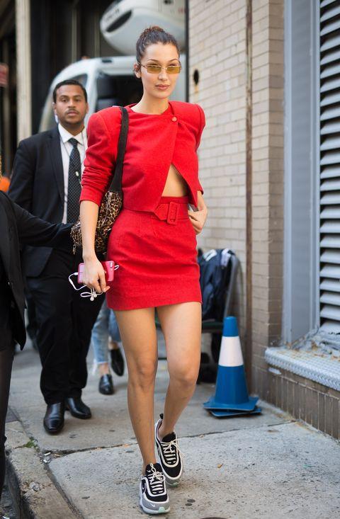 時尚潮人,霸氣,紅色,穿搭術,街拍,bella hadid