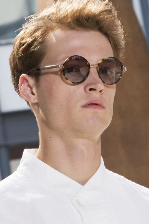 Eyewear, Hair, Sunglasses, Face, Glasses, Hairstyle, Chin, Cool, Vision care, Blond,