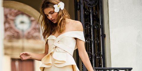 White, Clothing, Dress, Fashion model, Beauty, Fashion, Shoulder, Gown, Model, Photo shoot,
